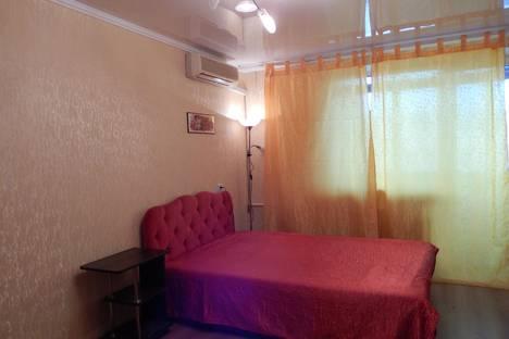 Сдается 1-комнатная квартира посуточно в Севастополе, ул. Гоголя, 29.