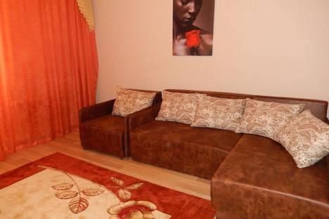 Сдается 2-комнатная квартира посуточно в Севастополе, ул. Очаковцев, 35.