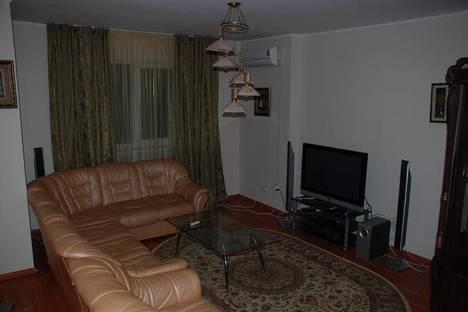 Сдается 2-комнатная квартира посуточнов Атырау, ул. Жангельдина, 43.