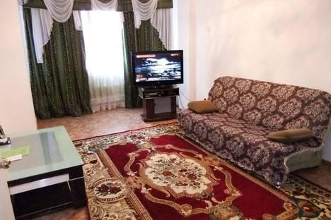 Сдается 2-комнатная квартира посуточно в Атырау, проспект Сатпаева, 5б.
