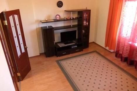 Сдается 2-комнатная квартира посуточно в Атырау, ул. Кулманова, 40.