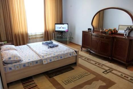 Сдается 1-комнатная квартира посуточно в Атырау, ул. Кулманова, 58.
