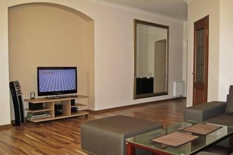 Сдается 2-комнатная квартира посуточно в Львове, Театральная, 8.