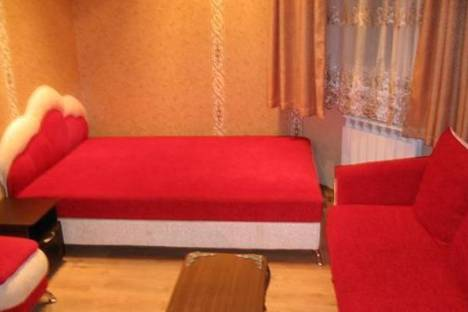 Сдается 2-комнатная квартира посуточнов Балаклаве, ул. Генерала Петрова, 4А.