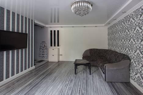 Сдается 2-комнатная квартира посуточно в Симферополе, пр-т Кирова, 14.