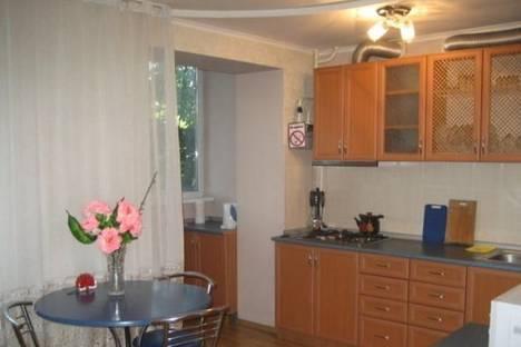 Сдается 1-комнатная квартира посуточно в Симферополе, ул. Гоголя, 81.