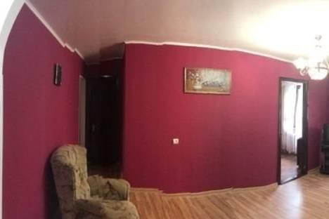 Сдается 3-комнатная квартира посуточно в Симферополе, ул. Набережная, 87.