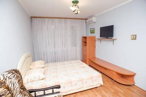 Сдается 1-комнатная квартира посуточно в Черкассах, ул. Героев Днепра, 5.