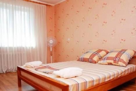 Сдается 2-комнатная квартира посуточно в Симферополе, Севастопольская ул., 3/2.