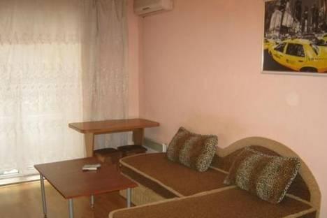 Сдается 1-комнатная квартира посуточно, пл. Соборная, 6.