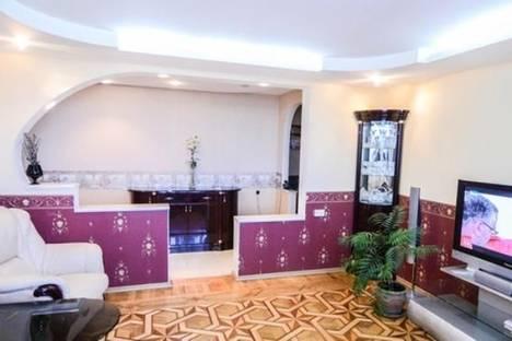 Сдается 3-комнатная квартира посуточно в Одессе, ул. Академика Королева, 118.