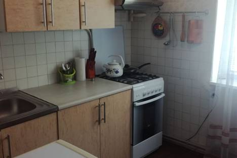 Сдается 2-комнатная квартира посуточно в Евпатории, ул. Перекопская, 10.