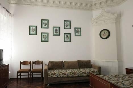 Сдается 1-комнатная квартира посуточно в Евпатории, ул. Демышева, 24.