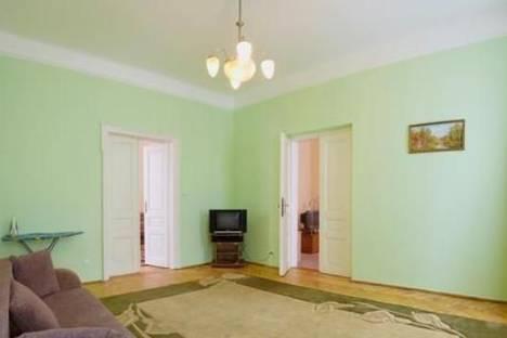 Сдается 2-комнатная квартира посуточно в Львове, ул. Франка, 43.