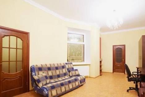 Сдается 2-комнатная квартира посуточно в Львове, пл. Д. Галицкого, 4.