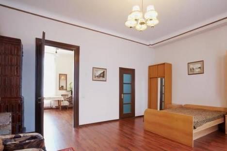 Сдается 2-комнатная квартира посуточно в Львове, ул. Краковская, 16.