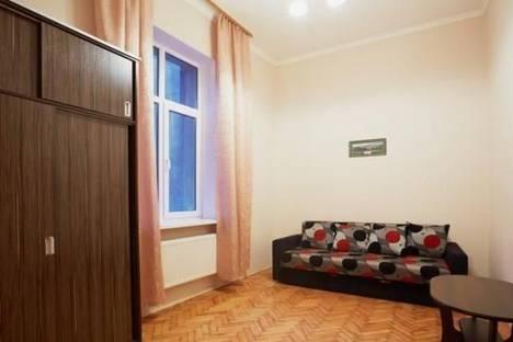 Сдается 2-комнатная квартира посуточно в Львове, ул. Театральная, 7.