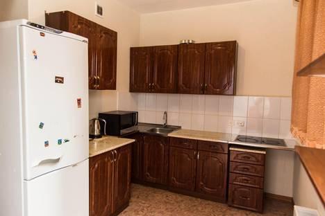 Сдается 3-комнатная квартира посуточно, МИРА 61.