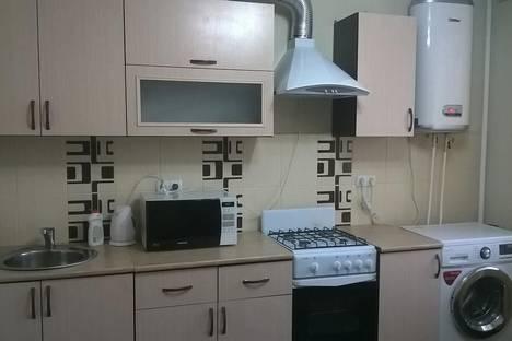 Сдается 1-комнатная квартира посуточнов Энгельсе, Комсомольская 185.