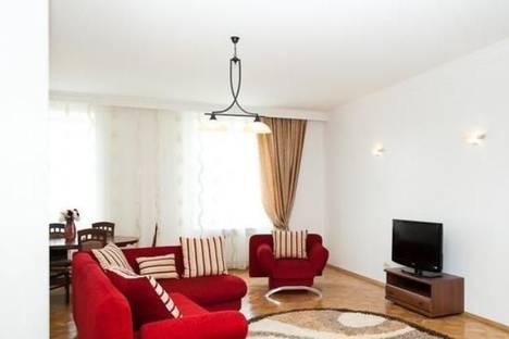 Сдается 2-комнатная квартира посуточно в Львове, пр-т Шевченко, 11а.
