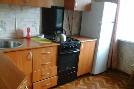 Сдается 2-комнатная квартира посуточнов Кстове, ул. Максима Горького, 140.