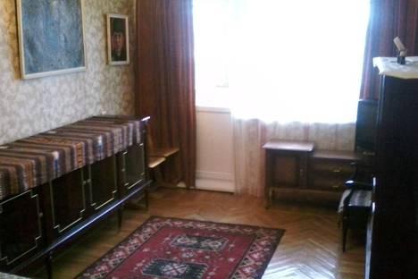 Сдается 1-комнатная квартира посуточно в Мурманске, проспект Героев-Североморцев, 31.