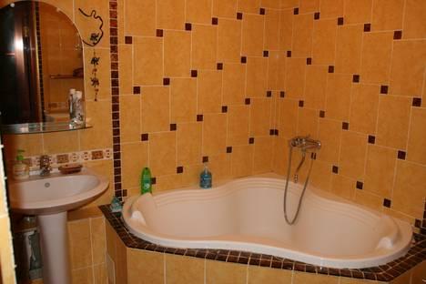 Сдается 2-комнатная квартира посуточнов Перми, ул. Луначарского, 90.
