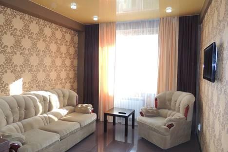 Сдается 2-комнатная квартира посуточно в Чебоксарах, Ярославская ул., 72.