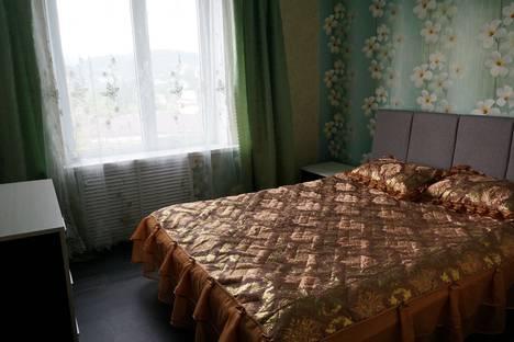 Сдается 3-комнатная квартира посуточно, Крутая дорога, 25.