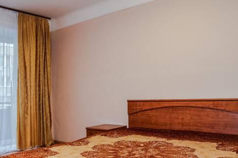 Сдается 1-комнатная квартира посуточно в Новосибирске, ул. Дуси Ковальчук, 266/4.