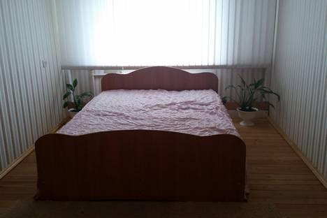 Сдается 2-комнатная квартира посуточнов Усть-Илимске, проспект Дружбы Народов, 30.