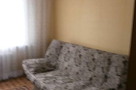 Сдается 2-комнатная квартира посуточно, ул. Врача Михайлова, 42.