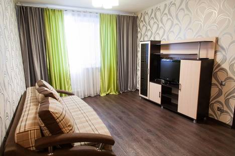 Сдается 1-комнатная квартира посуточно в Салехарде, ул. Мира, 22.