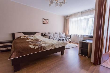 Сдается 1-комнатная квартира посуточно в Твери, улица Трехсвятская 28.