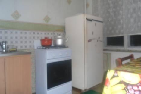 Сдается 1-комнатная квартира посуточнов Глазове, Кирова 15.