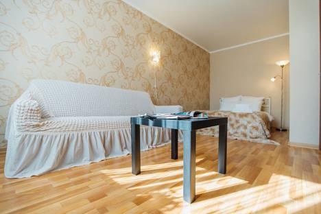 Сдается 1-комнатная квартира посуточно, переулок Суворова, 5.
