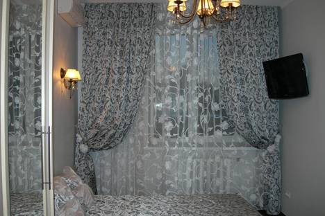 Сдается 5-комнатная квартира посуточно в Самаре, Никитинская 108.