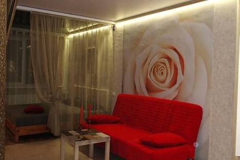 Сдается 1-комнатная квартира посуточнов Саратове, улица Шелковичная, 1.