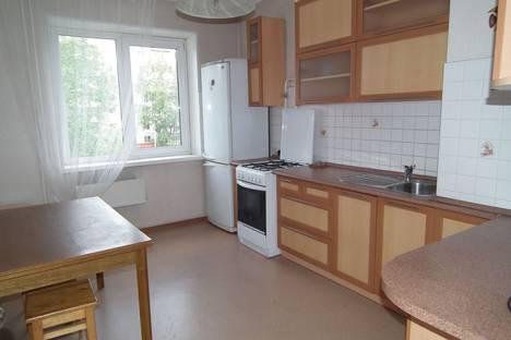 Сдается 3-комнатная квартира посуточно в Омске, ул. Конева 26/1.