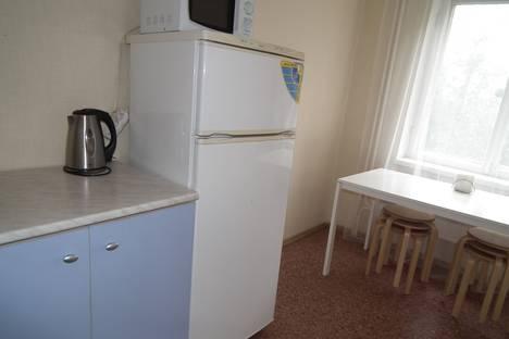 Сдается 3-комнатная квартира посуточно в Омске, ул. Лукашевича, 3.