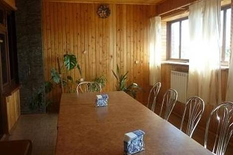 Сдается 3-комнатная квартира посуточно в Ижевске, ул. Якшур-Бодьинский тракт, Ленина 30а.