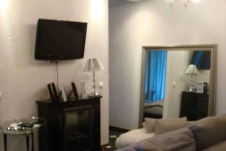 Сдается 2-комнатная квартира посуточнов Назарове, микрорайон 7, дом 1.