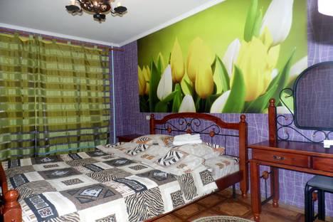 Сдается 2-комнатная квартира посуточно в Выксе, ул. Лизы Чайкиной, 16.