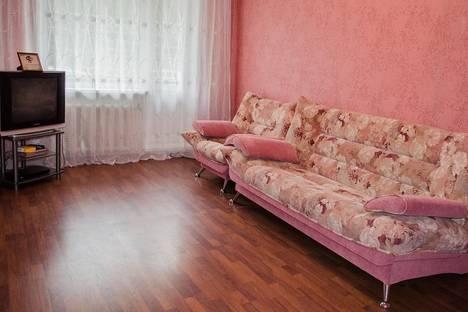 Сдается 2-комнатная квартира посуточнов Тулуне, ул. Суворова, 15.