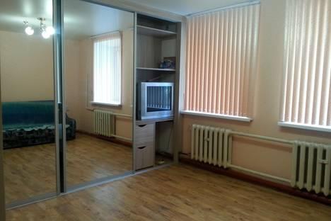 Сдается 2-комнатная квартира посуточно в Чите, ул. Ленинградская, д. 77.
