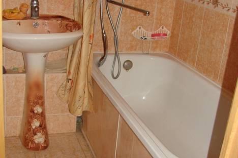 Сдается 1-комнатная квартира посуточнов Гатчине, проспект 25 Октября, 67.