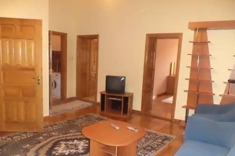 Сдается 2-комнатная квартира посуточно в Мукачеве, пл. Мира, 5.