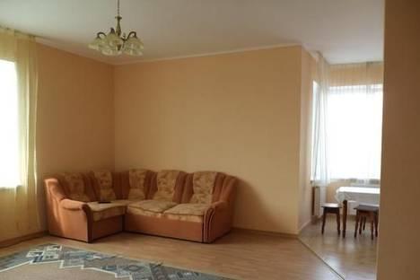 Сдается 3-комнатная квартира посуточно в Мукачеве, ул. Первомайская, 2А.