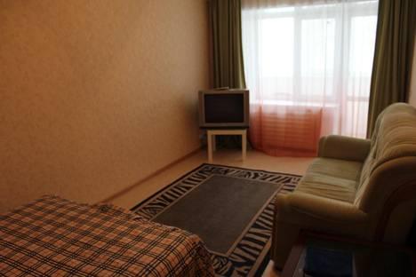 Сдается 1-комнатная квартира посуточно, ул. 9 Января, 13.