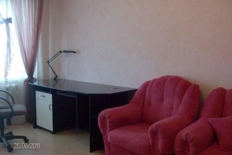 Сдается 1-комнатная квартира посуточнов Кургане, ул. Бурова-Петрова, 96.